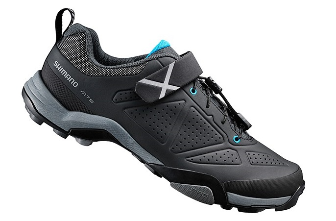 f809f9ba6 ... de las botas con calas de MTB se ha diseñado con una malla fina de piel  sintética muy flexible que ayudará ofrecer una gran libertad de movimientos.