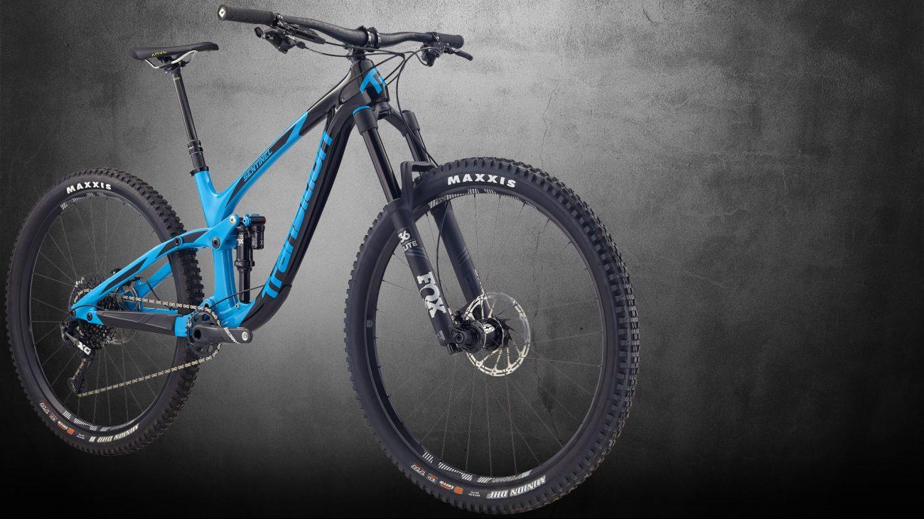 La Bicicleta de enduro Transition Sentinel con ruedas de 29 y 140mm trasero y 160 delantero
