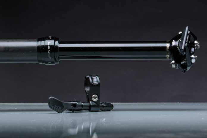 La tija telescopica KS LEV Ci presento y tiene ya a la venta nuevas versiones de este modelo que ya saco hace unas temporada. Está fabricada en fibra de carbono para minimizar su peso y destinada a todas las disciplinas del ciclismo de montaña