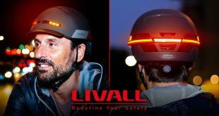 El casco que se ilumina cuando el ciclista frena